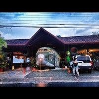 Foto tirada no(a) El Avion Restaurant por ahleesue em 7/31/2012