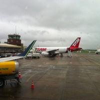 Photo taken at Aeroporto Internacional de Navegantes / Ministro Victor Konder (NVT) by Fabiano F. on 11/9/2012