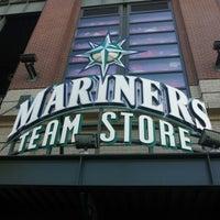 Foto tirada no(a) Mariners Team Store por Yukihisa T. em 10/16/2012