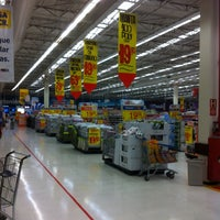Photo taken at Walmart by Gabriel Torres A. on 4/28/2013