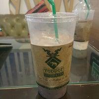 Photo taken at Yoddoi Coffee & Tea by Siriwat W. on 5/17/2014