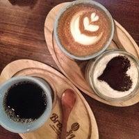 1/11/2015 tarihinde Merfeziyaretçi tarafından Coffee Brew Lab'de çekilen fotoğraf