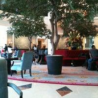 Foto tomada en Hotel Aryaduta por Meykel W. el 10/26/2012