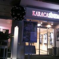 Foto tirada no(a) Karaca Sineması por Aybüke A. em 12/14/2012