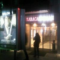Foto tirada no(a) Karaca Sineması por Aybüke A. em 12/15/2012