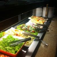 Photo taken at 101 Restaurante e Lounge by Pedro M. on 4/22/2013