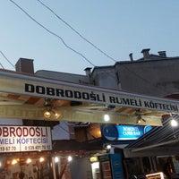 Photo taken at Dobro Doşli Rumeli Koftecisi by Gencay B. on 7/23/2017