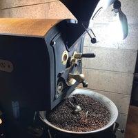 Photo taken at 9 coffee roasters by Stefan on 5/23/2017