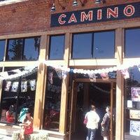 รูปภาพถ่ายที่ Camino โดย michael c. เมื่อ 5/19/2013