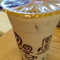 Photo taken at 貢茶(공차) / GONG CHA by Kyungdahm Y. on 9/6/2013