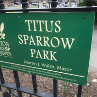 Foto tirada no(a) Titus Sparrow Park por Joshua L. em 4/17/2017