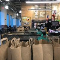 Снимок сделан в Whole Foods Market пользователем Joshua L. 11/25/2017
