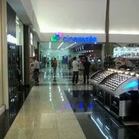 Foto tirada no(a) Montes Claros Shopping por Guilherme G. em 4/18/2013