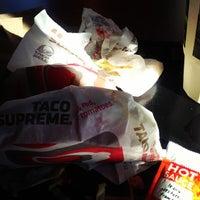 Photo taken at Taco Bell by Rodrigo G. on 1/31/2013