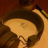 Das Foto wurde bei Starbucks von diego c. am 10/16/2014 aufgenommen