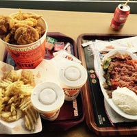 Photo taken at Popeyes by mohammad a. on 4/10/2016