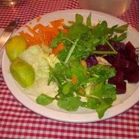 Foto tomada en Comedor Familiar Vegetariano por Lelsy G. el 10/20/2017
