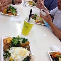 Photo taken at 全國素食自助餐 by melleemel on 4/27/2016