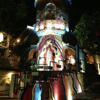 Foto tomada en Café des Artistes por Jimena R. el 5/20/2013