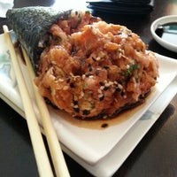 Photo taken at Sushi Temakeria Doo Doo by Felipe G. on 3/22/2013