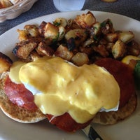 Снимок сделан в Dizzy's Diner пользователем John C. 6/15/2013