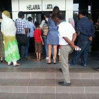 Photo taken at Jabatan Imigresen Malaysia by Kenny S. on 5/31/2013