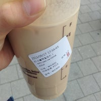 Photo taken at 貢茶(공차) / GONG CHA by 봉봉 on 9/17/2013