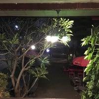 รูปภาพถ่ายที่ บ้านเพื่อนพี่ (ร้านอาหาร) โดย l3✪ll เมื่อ 12/2/2017