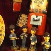 Foto tomada en Museo Beatle por Leopoldo L. el 5/3/2013