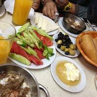 3/30/2013 tarihinde Farha N.ziyaretçi tarafından Çakmak Kahvaltı Salonu'de çekilen fotoğraf