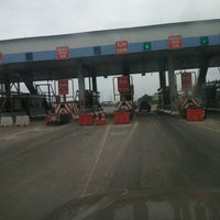 Photo taken at Conservation Toll Plaza by Omotunde D. on 8/11/2016