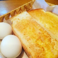 Photo taken at Komeda's Coffee by nagoya i. on 9/11/2016