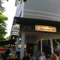 Das Foto wurde bei L'Espresso Bar von macro am 5/9/2018 aufgenommen