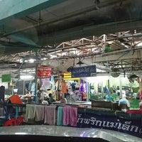 Foto tirada no(a) Tao Poon Market por Tun T. em 9/2/2017