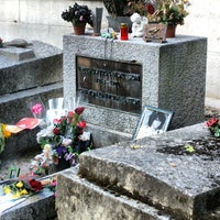 Photo prise au Tombe de Jim Morrison par atom le8/11/2013