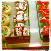 Photo taken at Mad Over Donuts by Kaushal K. on 12/25/2012