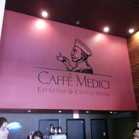 Photo prise au Caffé Medici par Arpit M. le3/10/2013