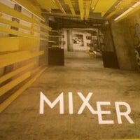 10/13/2012 tarihinde Ozan S.ziyaretçi tarafından Mixer'de çekilen fotoğraf