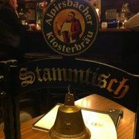 Das Foto wurde bei Restaurant Floh von Timo J. am 2/29/2012 aufgenommen
