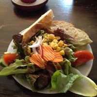 Das Foto wurde bei Cubano Bar y Restaurante von Chris S. am 5/3/2012 aufgenommen