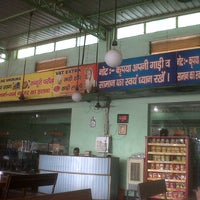 Photo taken at Pahalwan Da Dhaba by Anshul S. on 8/15/2012