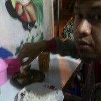 Photo taken at Nasi Uduk Sido Mampir by Adinata D. on 6/9/2012