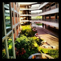 Photo taken at Facultad De Ciencias Juridicas y Politicas FCJP - Universidad De Carabobo by jose m. on 5/28/2012