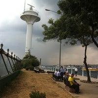 Das Foto wurde bei Üsküdar Deniz Feneri von Efsun am 8/3/2012 aufgenommen