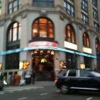 Photo prise au Angelika Film Center par Kat L. le2/18/2012