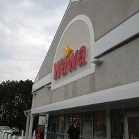Photo taken at Wawa by Teodora P. on 9/5/2012
