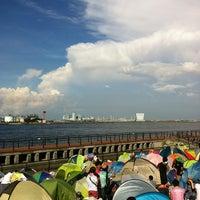 Photo taken at 東扇島東公園 by Yuki N. on 9/8/2012