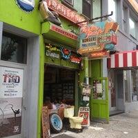 Foto tomada en Trailer Park Lounge & Grill por Deborah O. el 9/3/2012