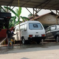 Photo taken at Istana Steam Car Wash by Muhammad F. on 9/4/2012