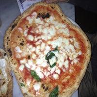 Foto scattata a Pizzeria Sorbillo da Roberta C. il 4/6/2012